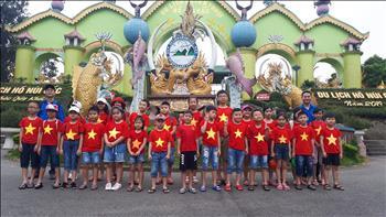 Công ty Thủy điện Tuyên Quang tổ chức thăm quan dã  ngoại cho các cháu là con CNVCLĐ trong Công ty
